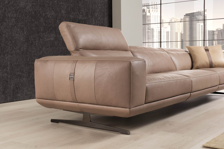 Nella Vetrina Luxury Italian Sofa Upholstered In Black Leather This Luxury Italian Furniture C Best Leather Sofa Black Leather Sofas Luxury Italian Furniture