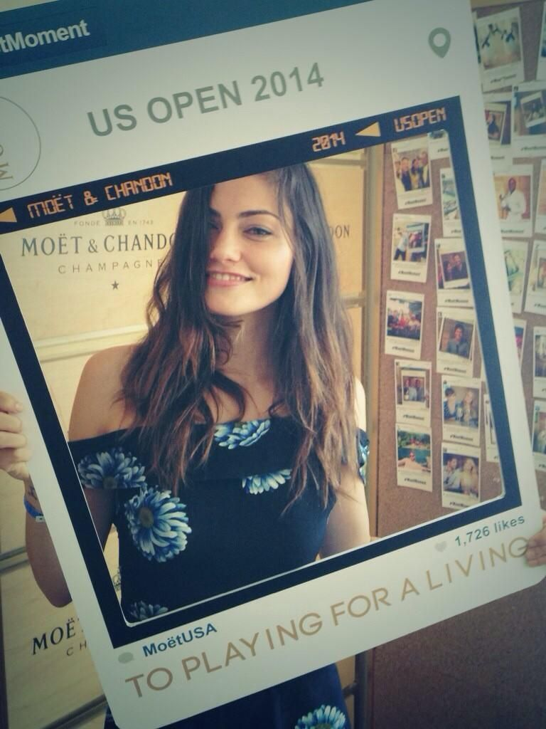 Phoebe Tonkin at the US Open. #ustafoundation  #moetmoment