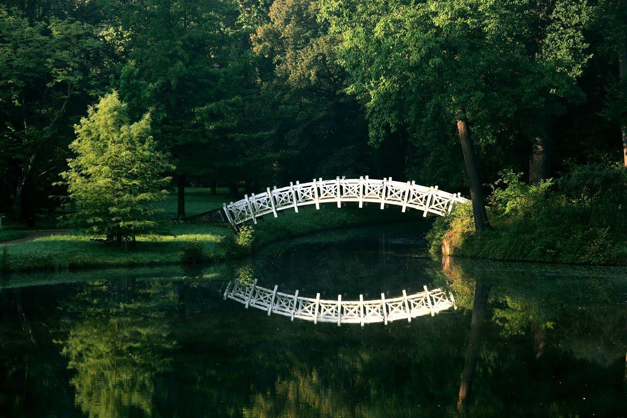 Worlitzer Park Worlitz Niemcy Bogaty Uklad Wodny Z Licznymi Kanalami Spowodowal Koniecznosc Budowy Kilkunastu Most Dessau Englischer Landschaftsgarten Parks