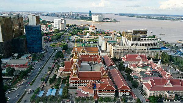 Phnom Penh Hotels Review The Bridge Club Asia travel