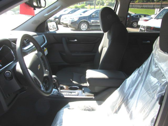 Black Cloth Interior Quad Seating Front Heated Seats