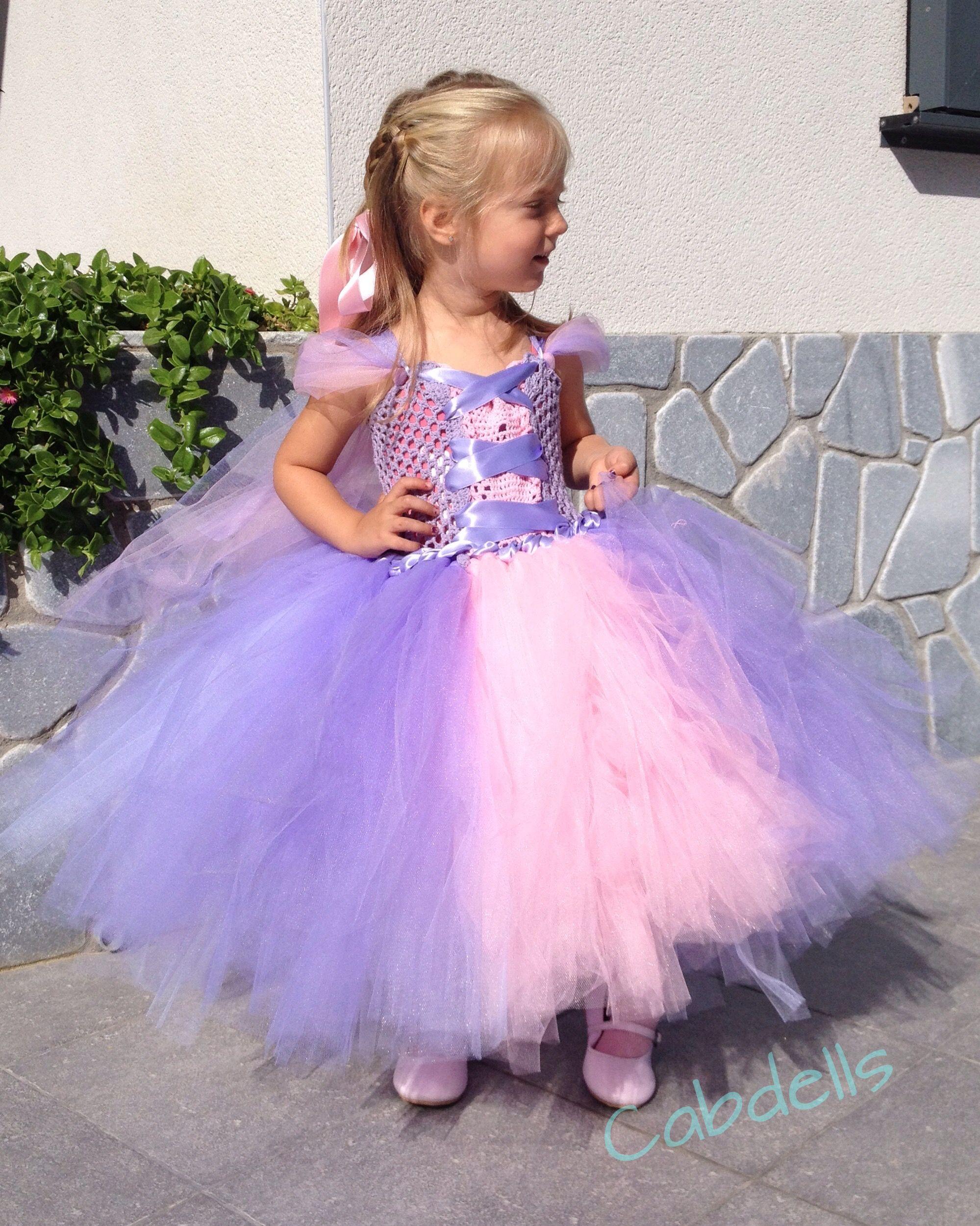 884dbf8b1 Disfraz de princesa Rapunzel con falda de tul.