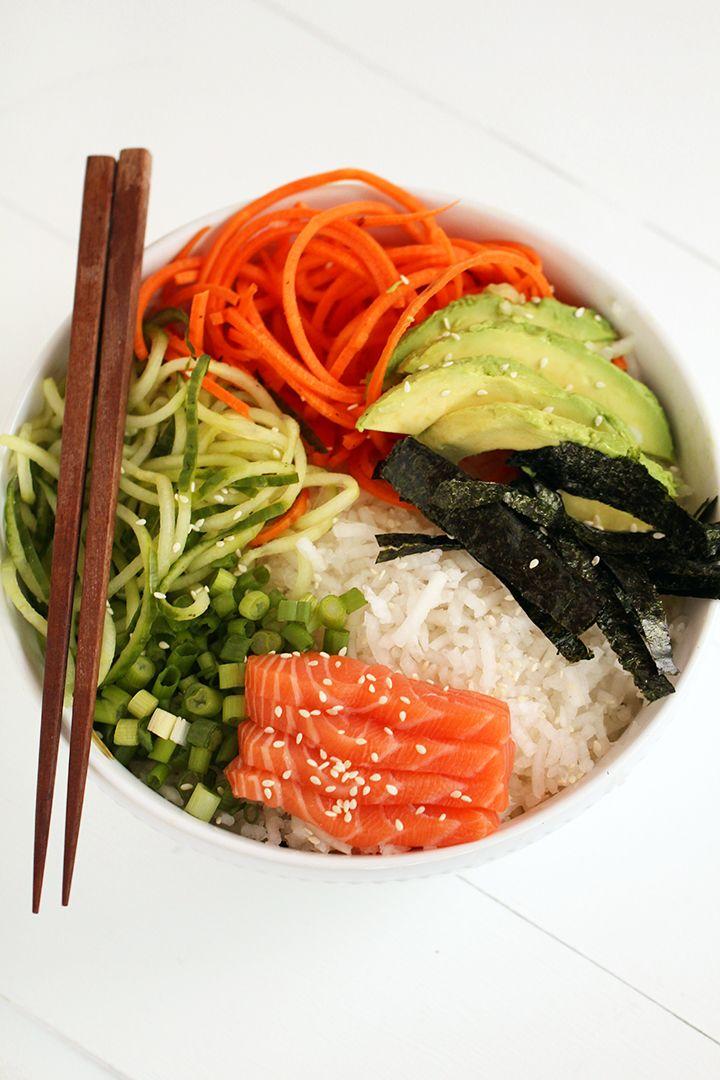 Spiralized sushi bowl with salmon sashimi and ginger miso for Sashimi dressing