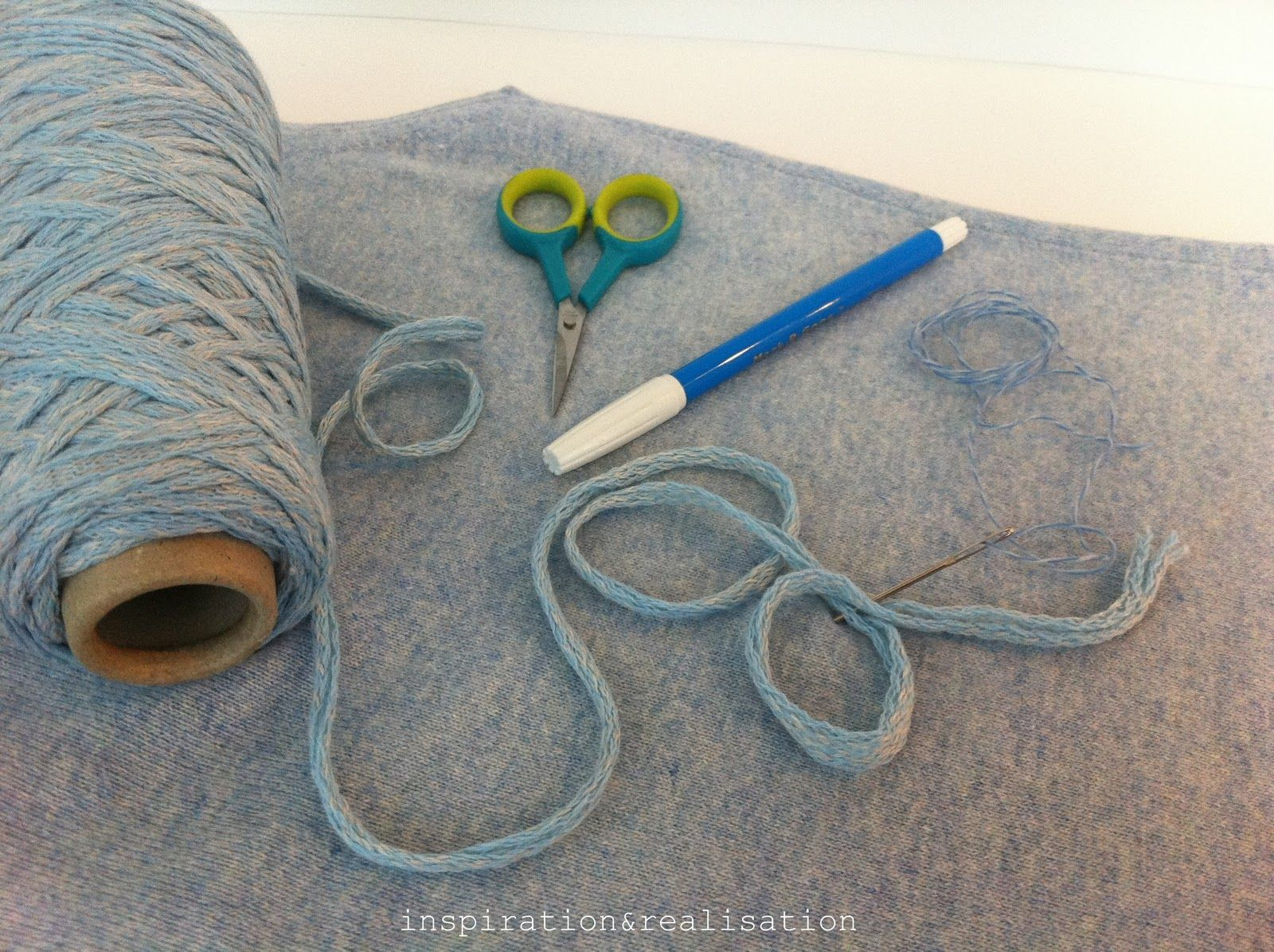inspiration and realisation: DIY Fashion + Home: how to: fake embroidery
