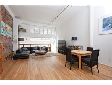 Contract Signed The Arcadia 240 West 23rd Street 1b Chelsea New York Manhattan Real Estate Street Arcadia