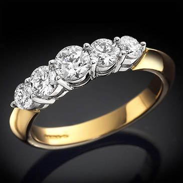 18ct Set Graduated Brilliant Cut Diamond 5 Stone Ring Cotton