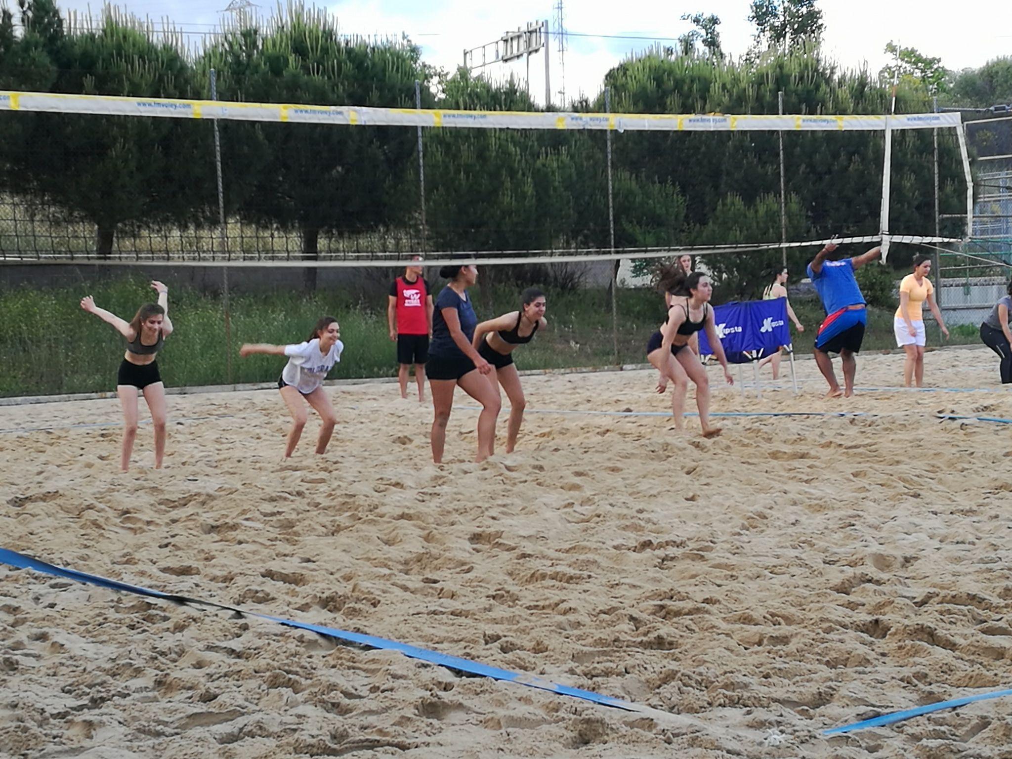 Trainning Beach Volleyball We Love It We Working On It Voley Playa Voley Entrenar Voleibol