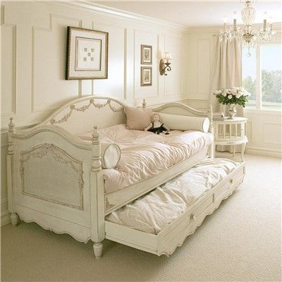 Agreat Shabby Chic look and feel! This collection creates treasured childhood furnishings with a focus on quality craftsmanship and classic style. Beautifully feminine, this Daybed fashions a modern-