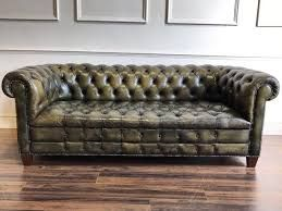 Leather Chesterfield Sofas Combine Luxury Beautiful Class And Sturdiness Sofas In 2019 Green Leather Sofa Vintage Leather Sofa Leather Chesterfield