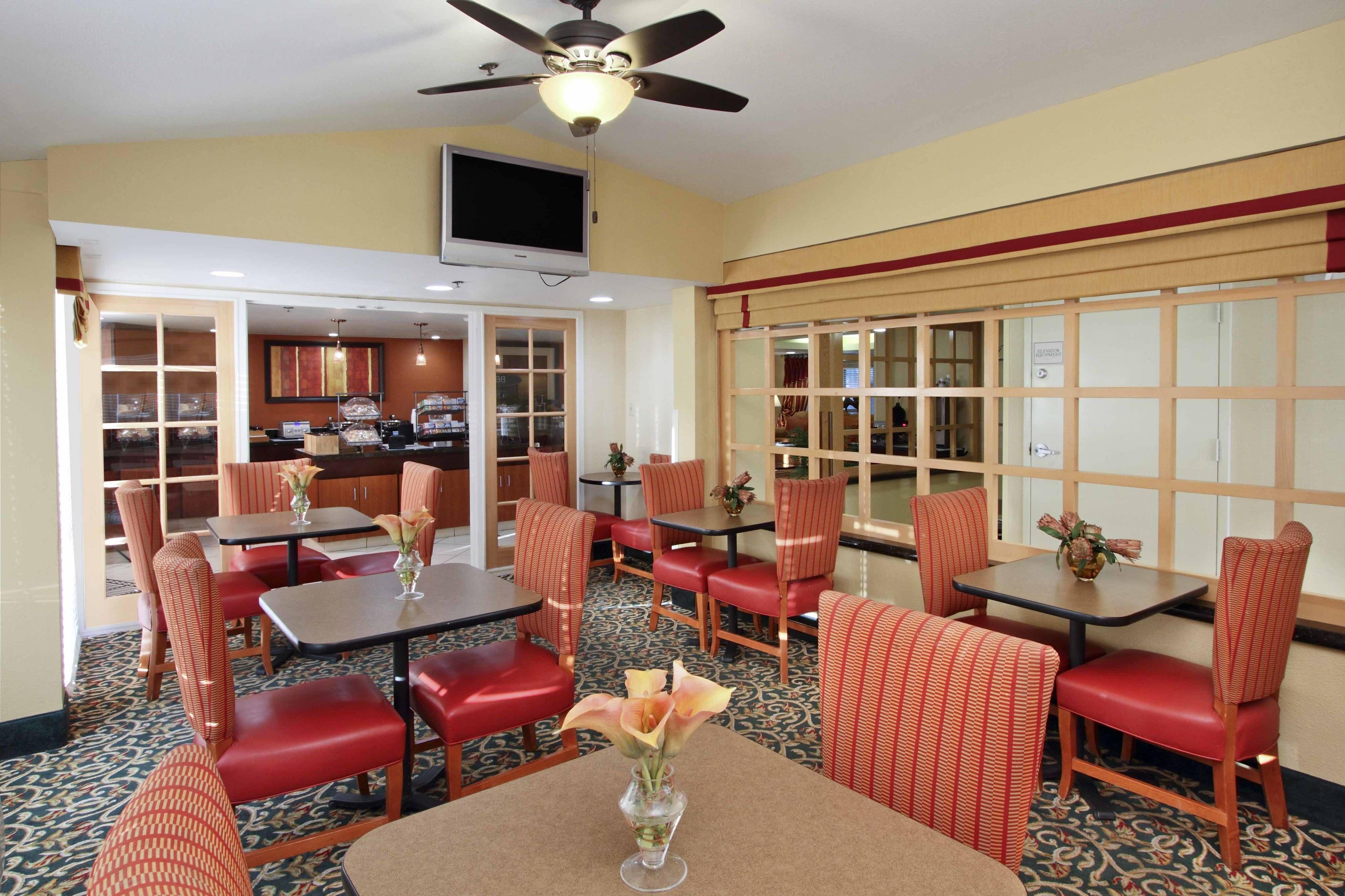 Fairfield Inn Scottsdale North Breakfast Dining Area