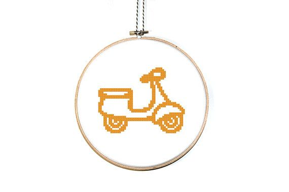 Scooter cross stitch pattern scooter icon easy cross for Idee deco kart cross