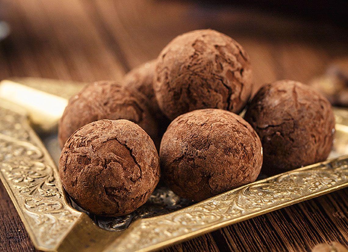 Trufe raw cu cacao si curmale
