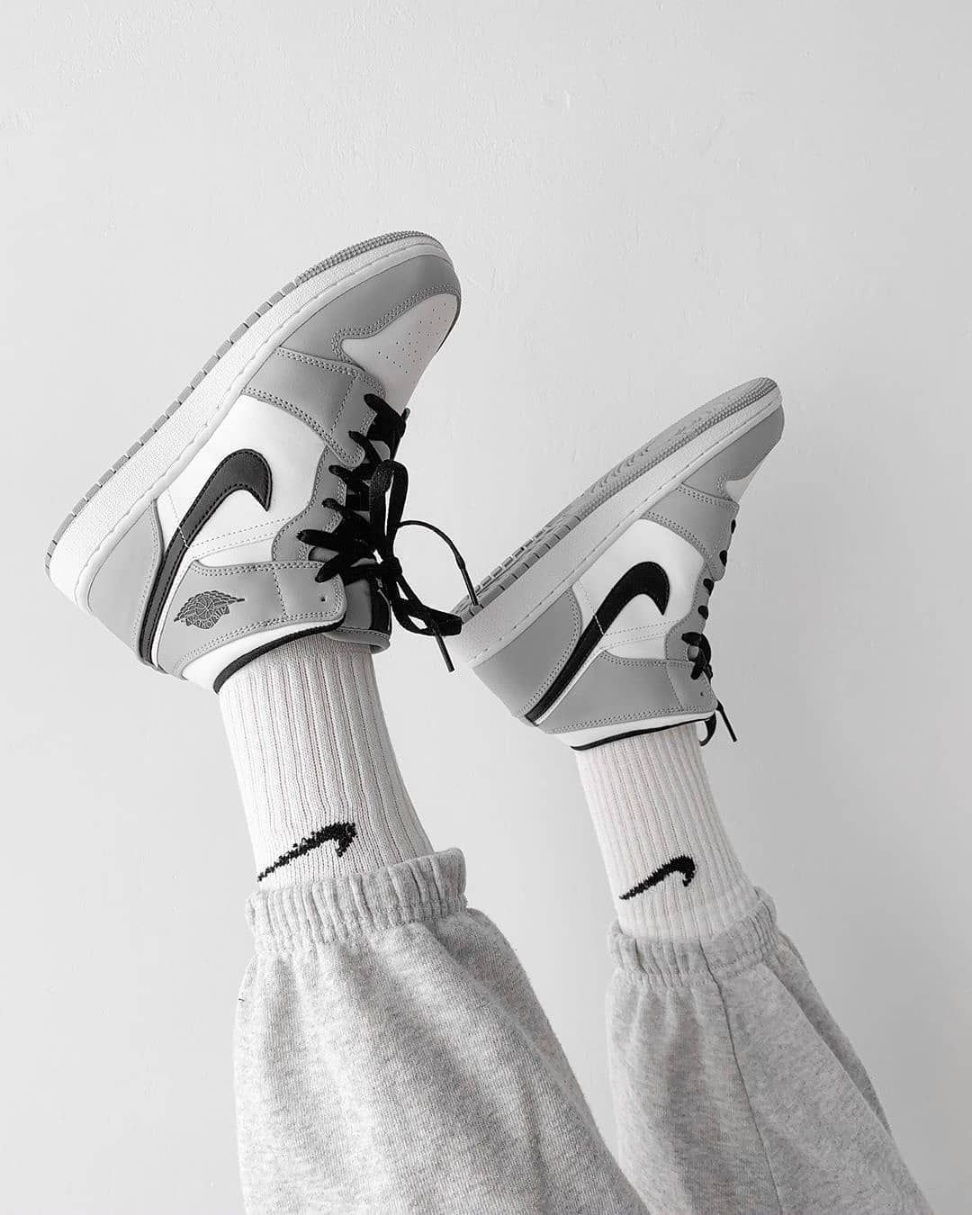 kd 1s black and white