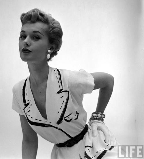 Tippi Hedren, 1950s.   Vintage hairstyles, Fashion, Tippi hedren