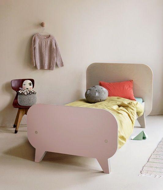 Cama infantil y escritorio de diseño para niños, Buisjes En Beugels