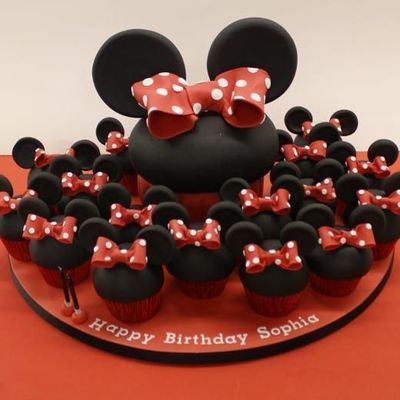minnie giant cupcake