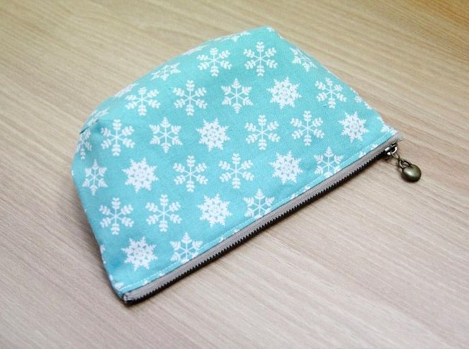 Step by Step Sewing Tutorial in Pictures. DIY Make Up Bag. | zipper ...