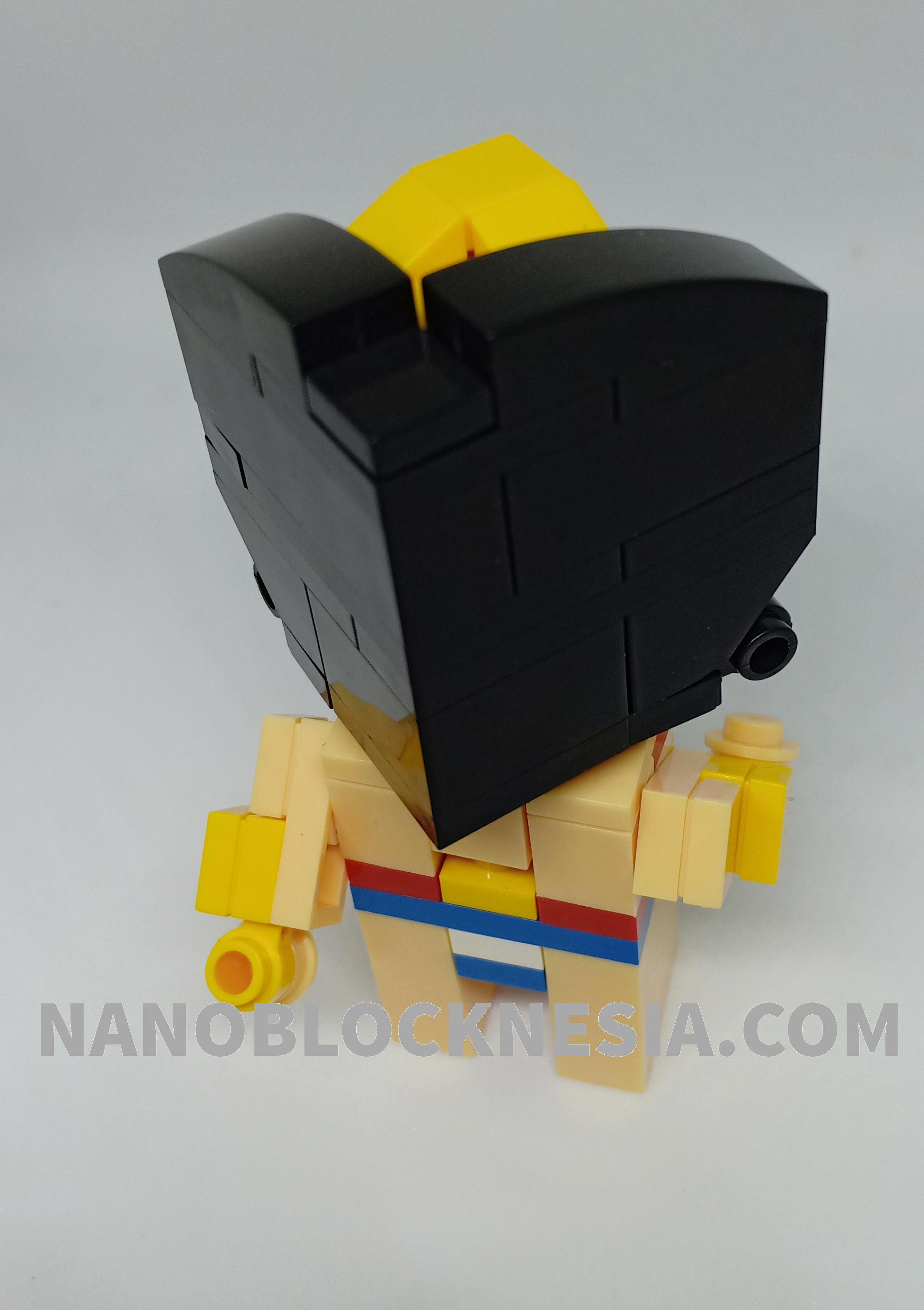Building Wonder Woman With Nanoblock Minicbrick
