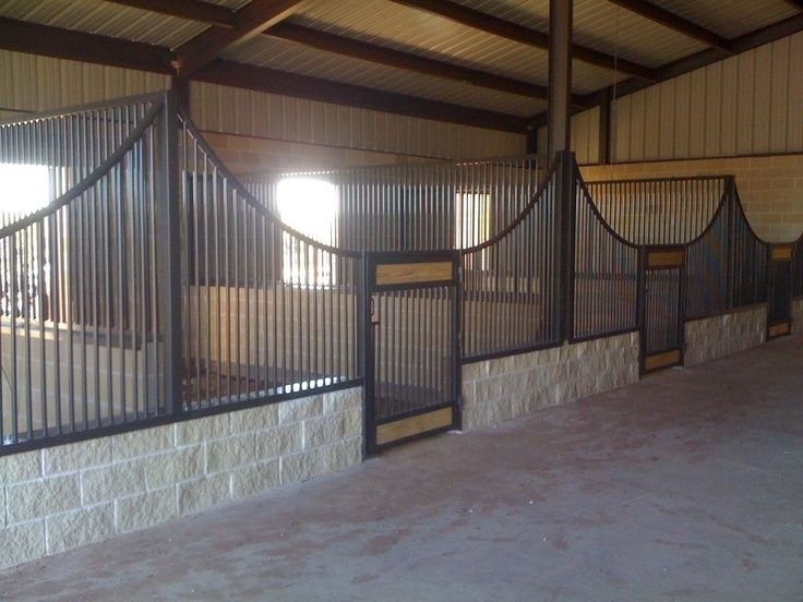 Open Stall Design Very Good Idea Horses Can T Reach Over To Other Stalls Cinder Blocks Dream Horse Barns Barn Stalls Custom Horse Stalls