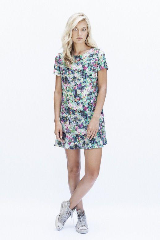 Summer dress and converse aero
