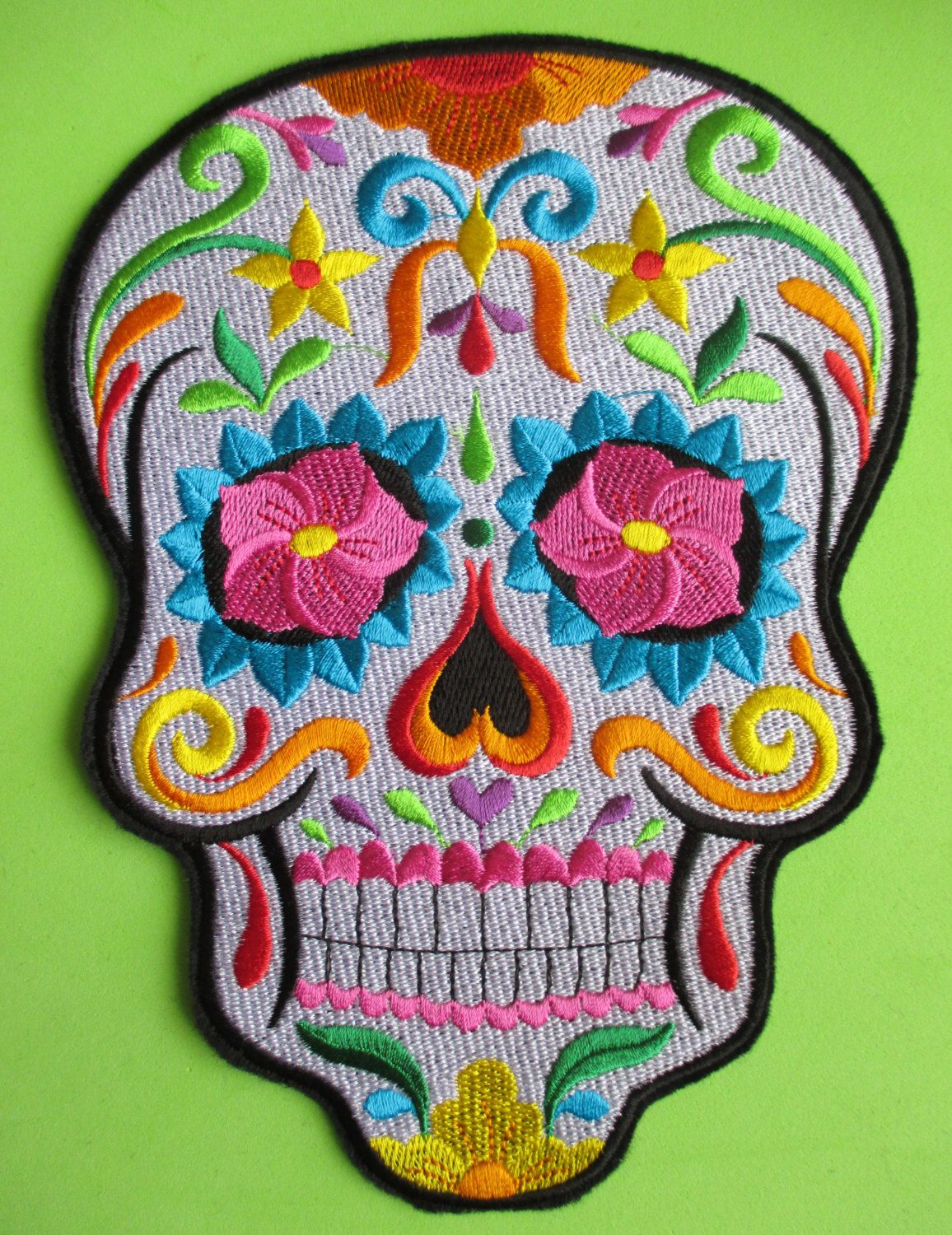 NOVELTY SUGAR SKULL SEW ON MEXICAN DAY OF THE DEAD IRON ON PATCH: WHITE