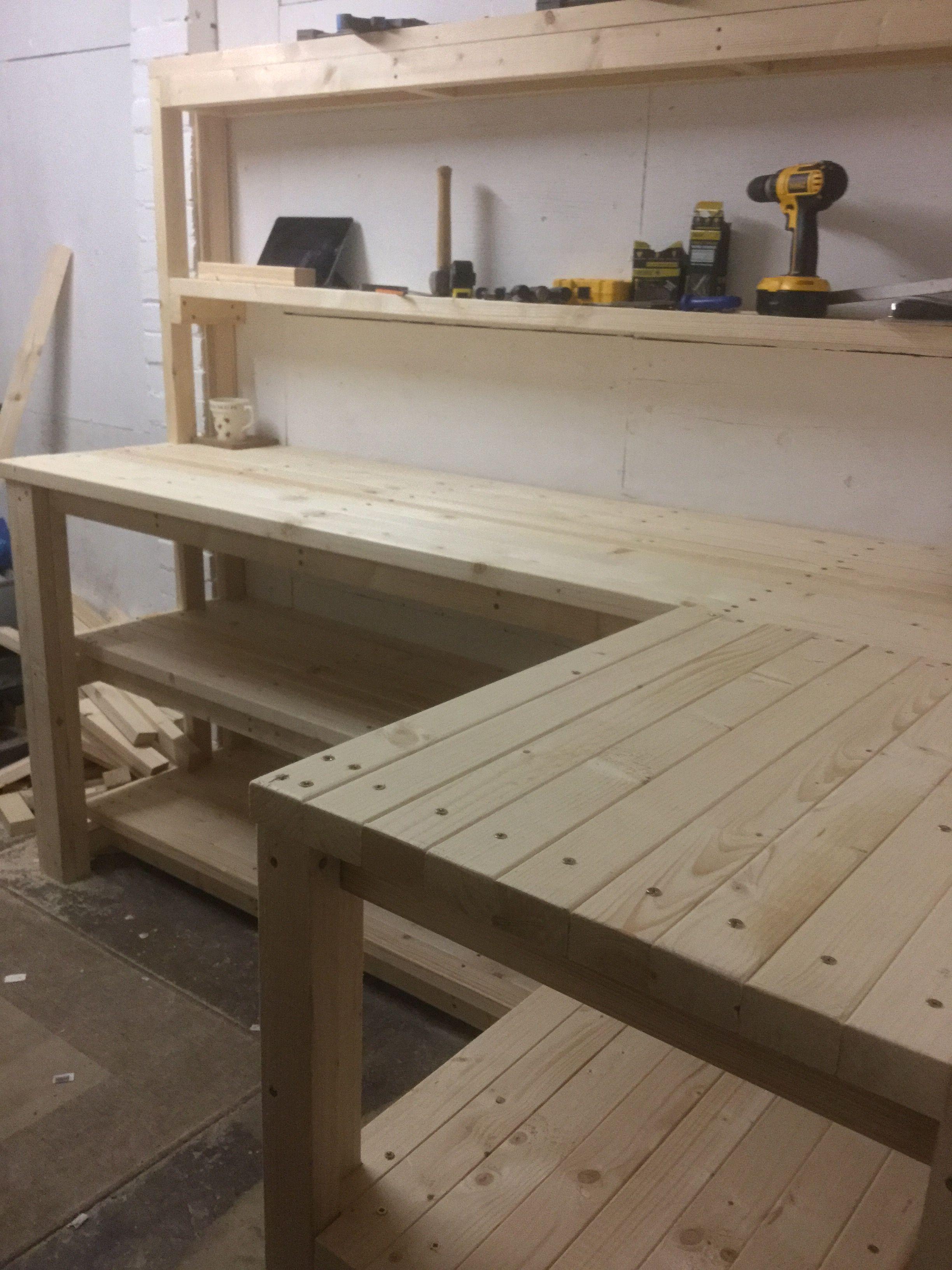 Finished The Garage Work Table Meuble Garage Organisation De Garage