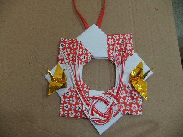 折り紙で作るお正月用のリースの折り方