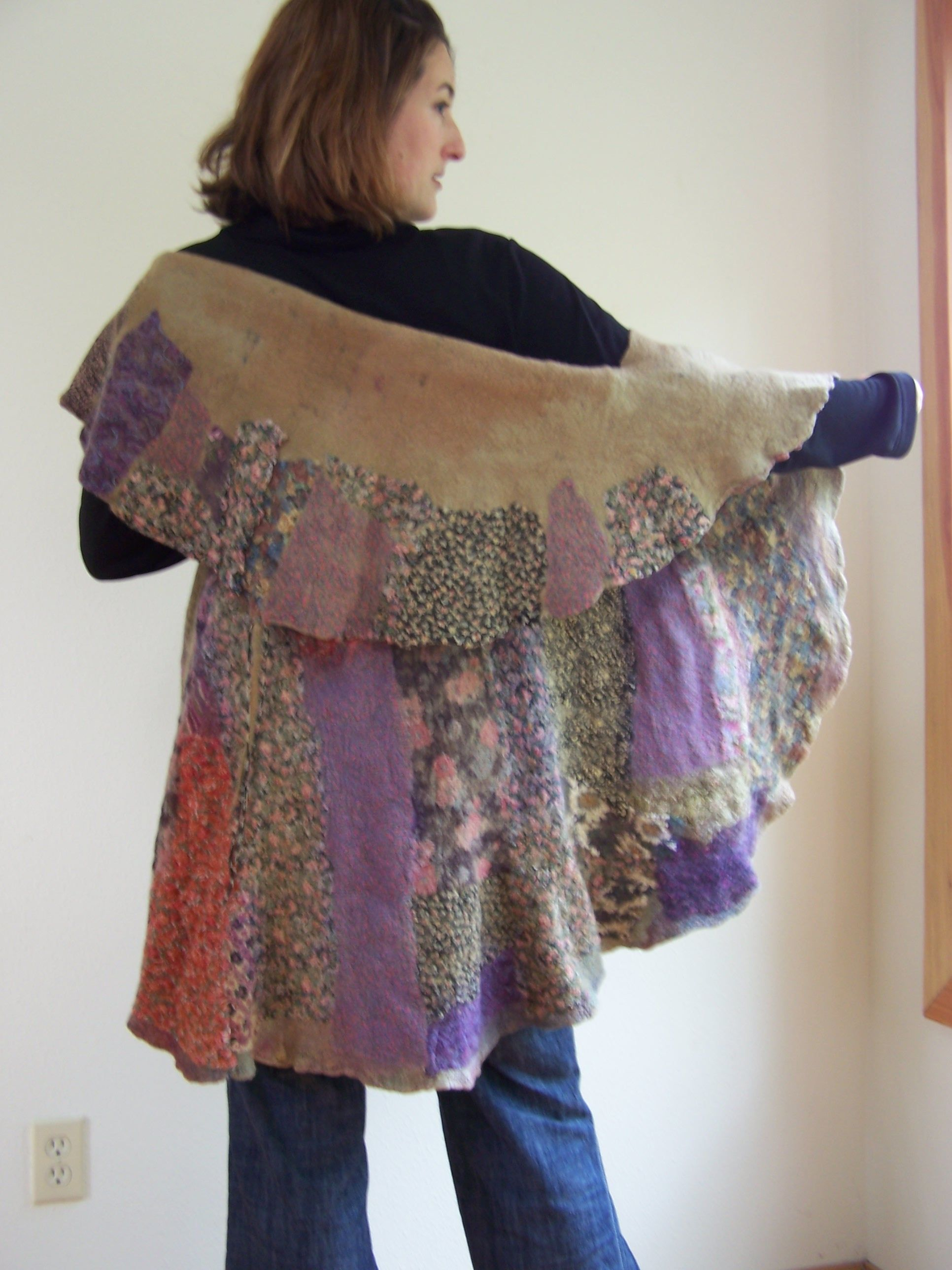 Felted vest with cotton bulbs design