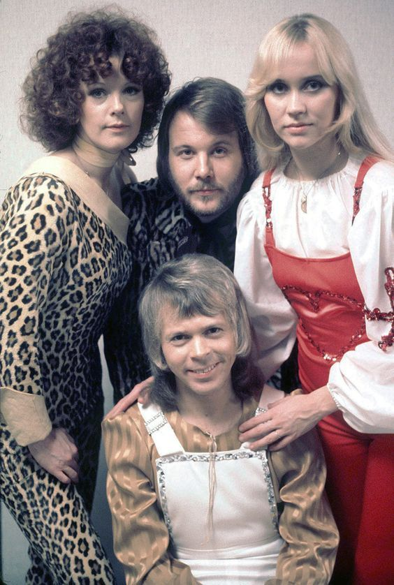 Abba At The Eddy Go Round Show In Holland In Early 1975 Abba Bilder Frida Abba Musik
