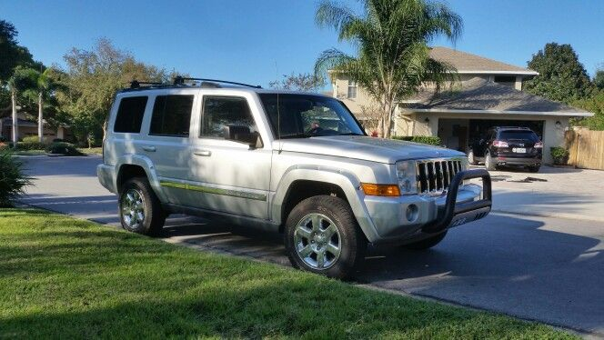 Jeep Commander With 2 Daystar Lift 1 25 Spacers Stock Wheels