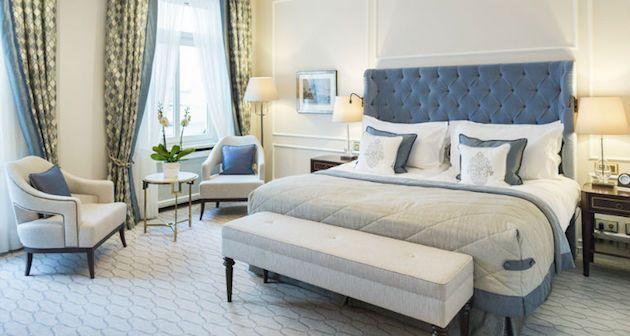 6 Luxury Bedrooms With Modern Bedroom Chairs Trending Next Season ...