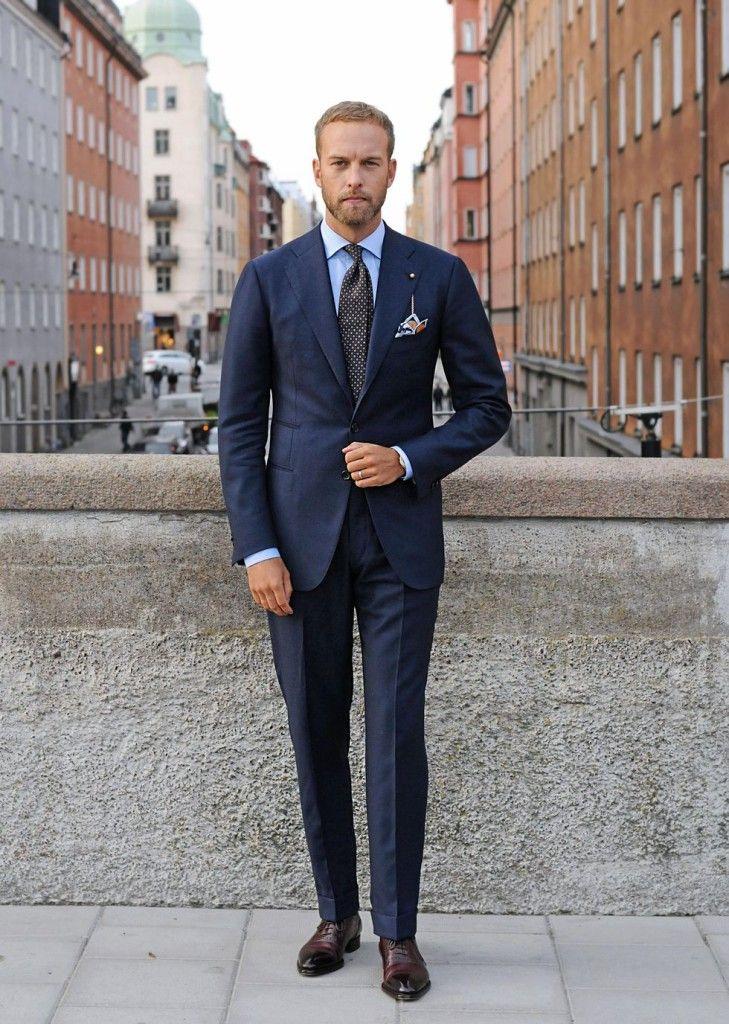 おしゃれなメンズスーツの着こなし決定版!ボタンの留め方からベストの合わせまで | Vokka ヴォッカ