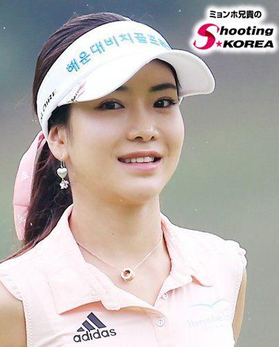 韓国ゴルファー!アンシネのセクシーなプレー姿を高画質な画像でお届け!