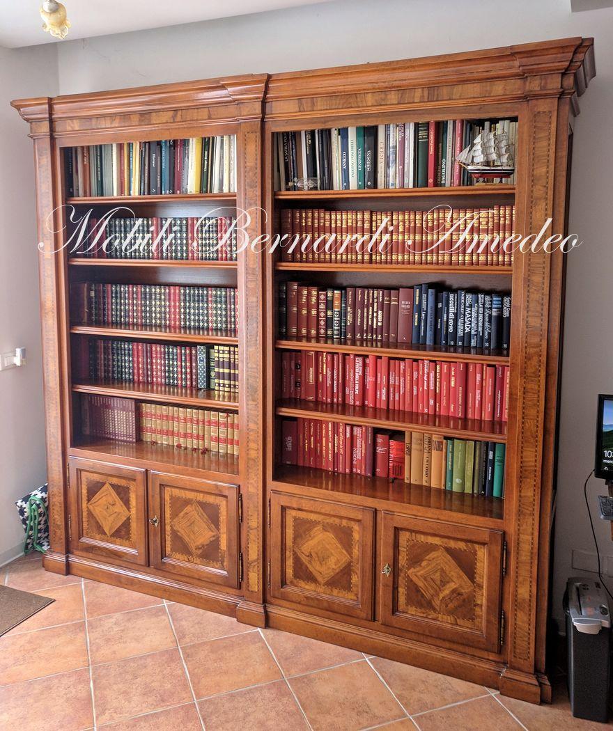 Foto Di Librerie In Legno.Solid Walnut Bookcase With Olive Wood Inlays Libreria In Legno