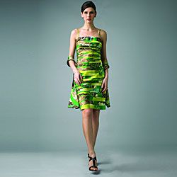 @Overstock - Intersecting swaths of vibrant green and classic cheetah prints color this form-fitting dress from Issue New York. A straight strapless neckline and tiered pleats shape this stylish dress.http://www.overstock.com/Clothing-Shoes/Issue-New-York-Womens-Green-Animal-Strapless-Dress/6510787/product.html?CID=214117 $98.99