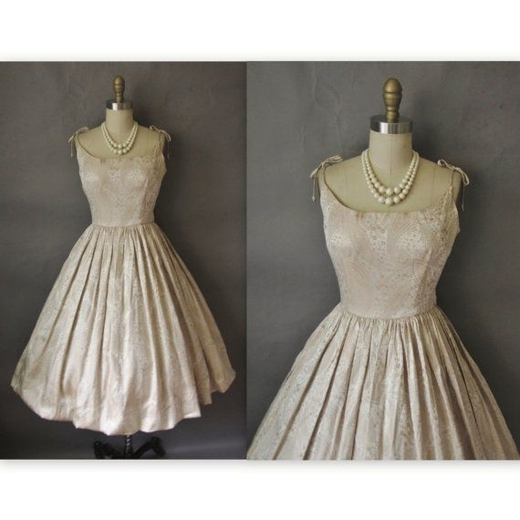 vintage look for wedding party | Vintage 50's Cocktail party pron wedding dress | Vintage Style