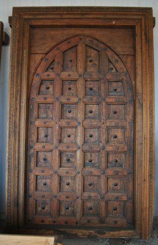 Antigua port n de madera procede de un antiguo palacete - Portones de madera antiguos ...