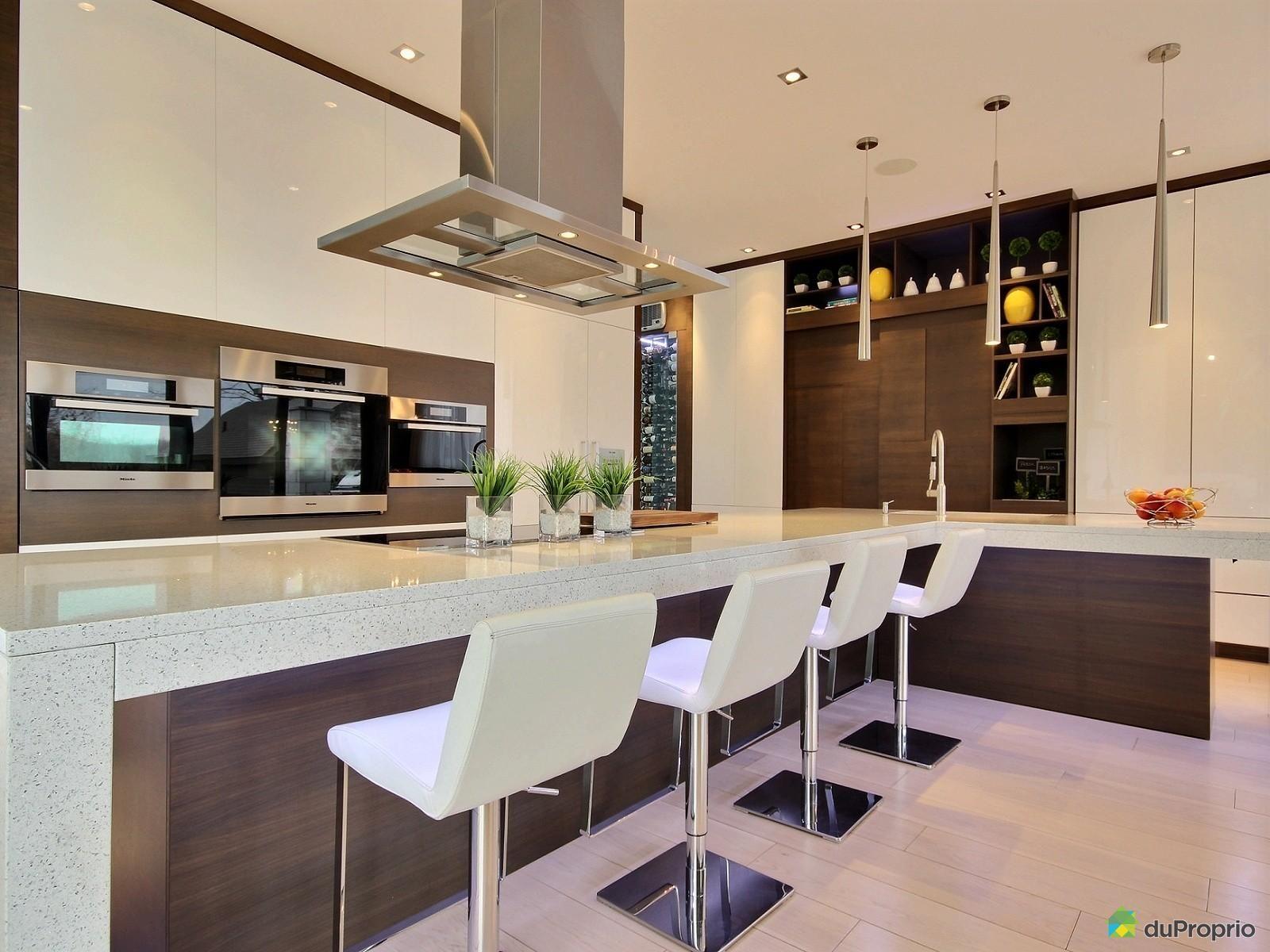 cuisine de r ve cette immense lot en l est magnifique. Black Bedroom Furniture Sets. Home Design Ideas