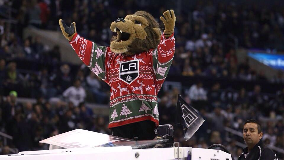 san francisco fd35d a073e La Kings mascot loved my Ugly Christmas sweater jersey | LA ...