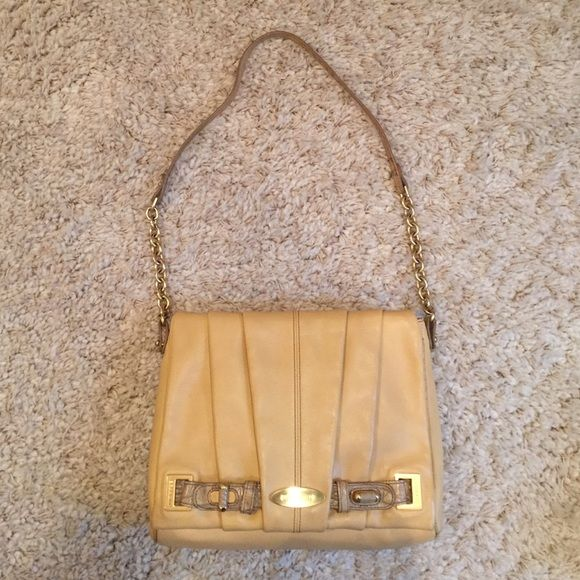 Brahmin shoulder bag with gold chain. Beautiful camel colored Brahmin bag. Unique style and shoulder strap. Brahmin Bags Shoulder Bags