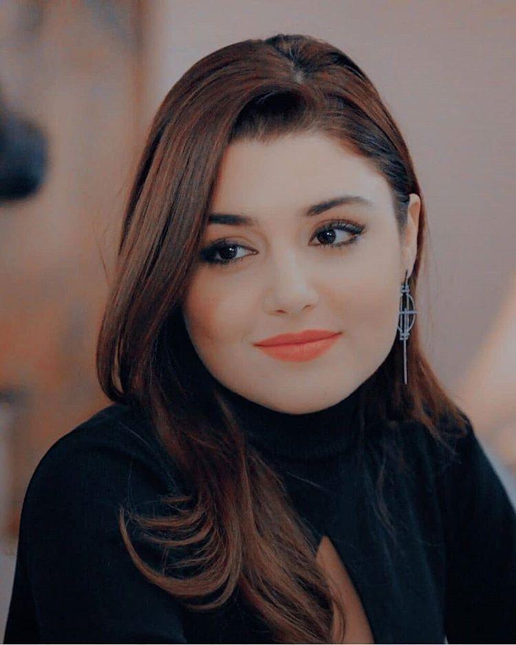 Pin By Aya Miloud On Handa Ercel Beauty Girl Beautiful Girl Face Muslim Beauty