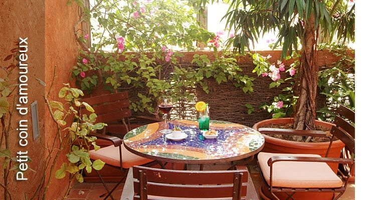 Restaurant Bar Hotel Djoloff Au Charme Raffine Dakar Senegal Table Decorations Outdoor Tables Outdoor Decor