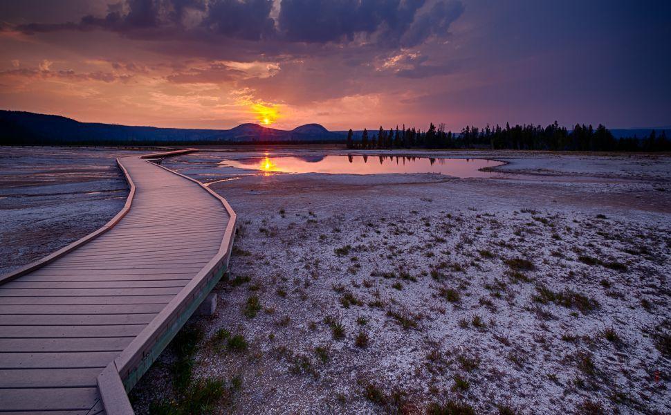 Sunrise In Yellowstone National Park Hd Wallpaper Sunset