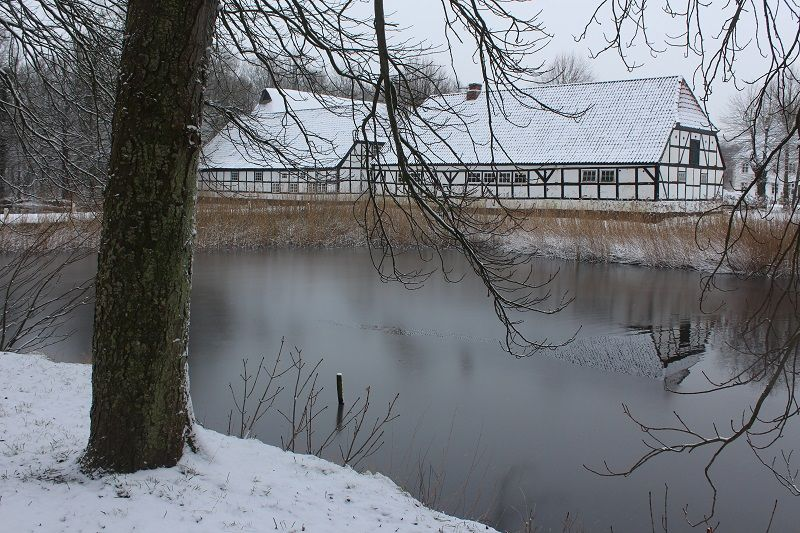 Winter has finally arrived by Kielia