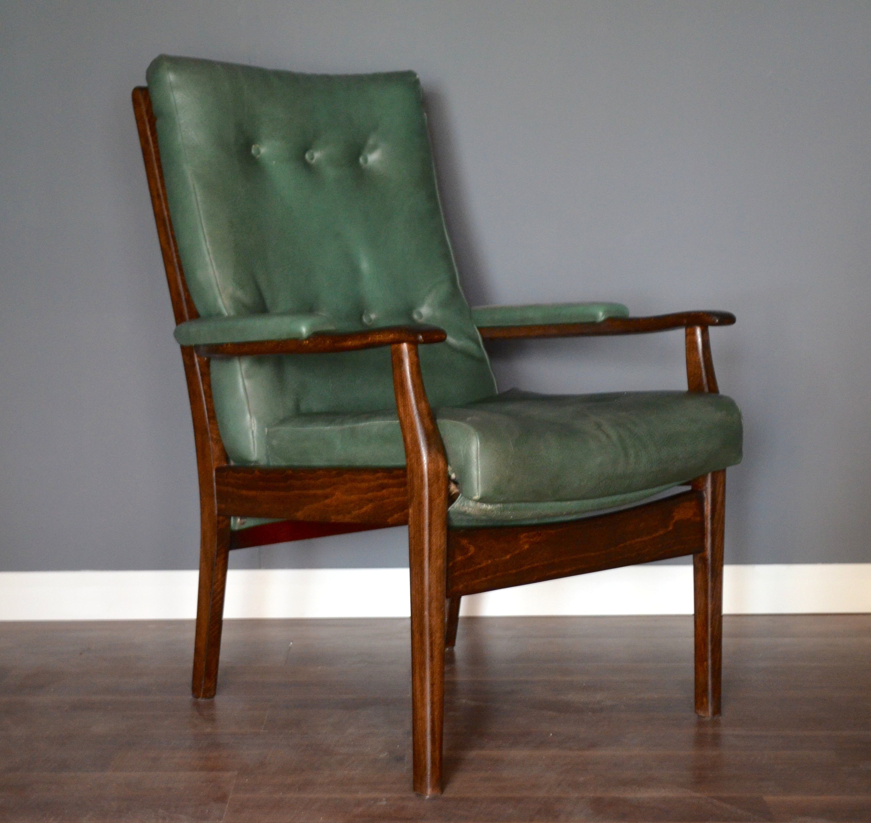 Stylish Vintage Danish Style Walnut And Leather Armchair Modern Midcentury Scandinav Leather Armchair Leather Armchair Modern Scandinavian Style Armchairs