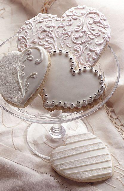 Beautiful wedding sugar cookies. Se ven de boda en verdad