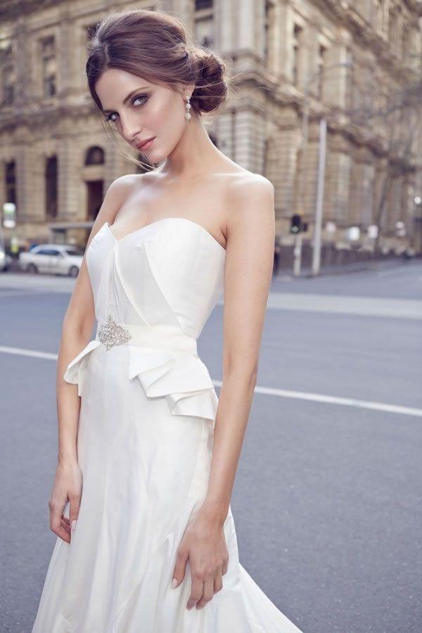 Karen Willis Holmes's Fall 2015 Wedding Dress Collection