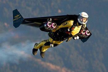 Дубай летающий человек дубай кизлари