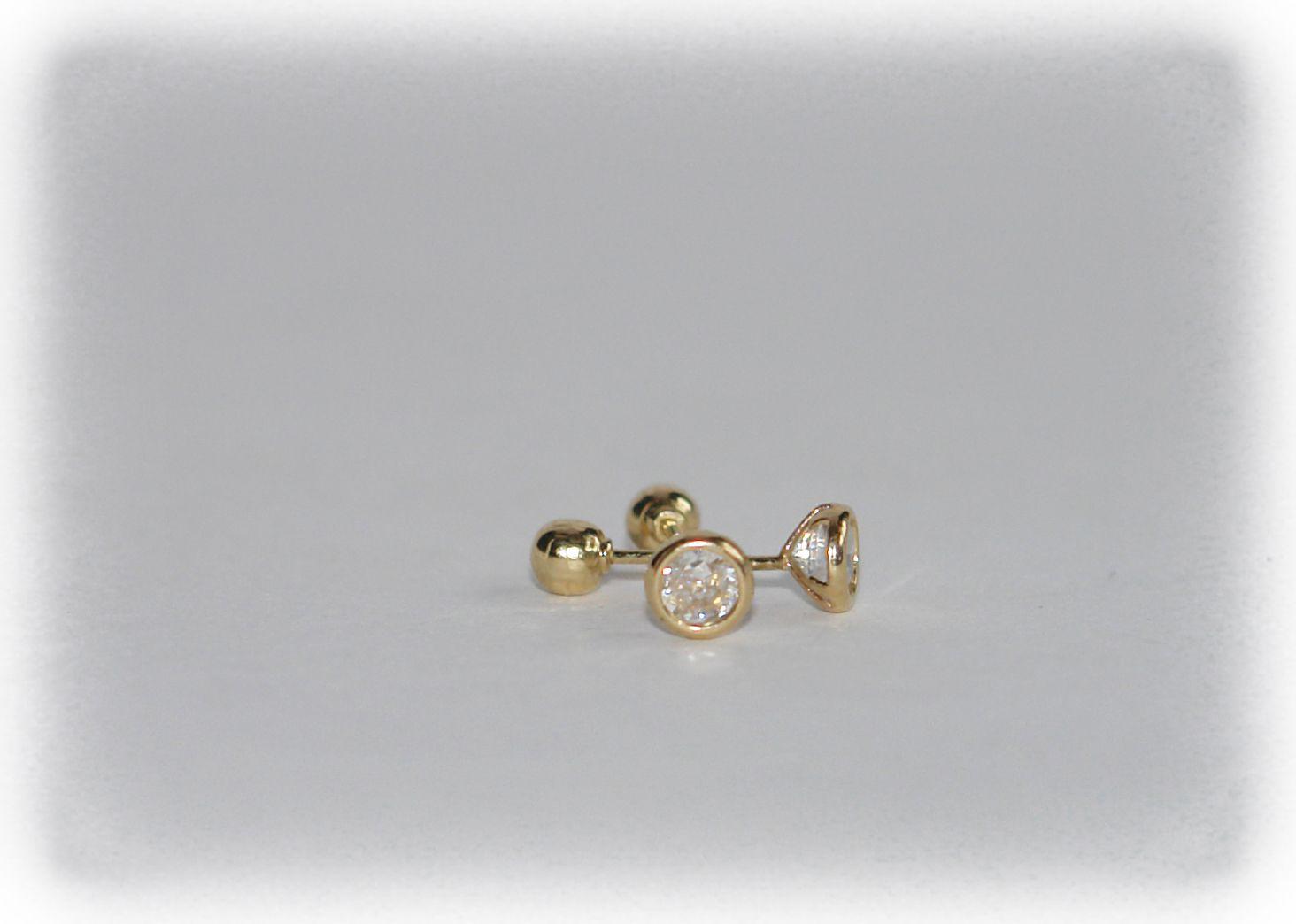 15eb215b60a3 Preciosos Broqueles de 3mm en oro 10K