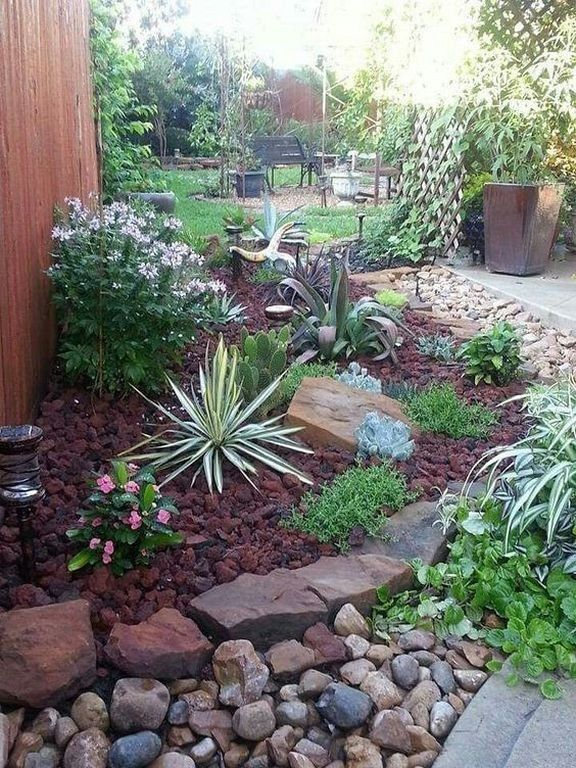 43 Cute Front Yard and Backyard with River Rocks (With ...